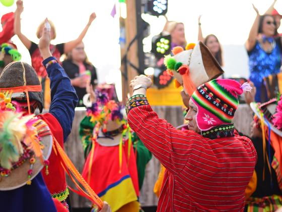 Buntes Bolivien grüßt Waldau